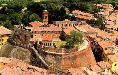 castello_Lari